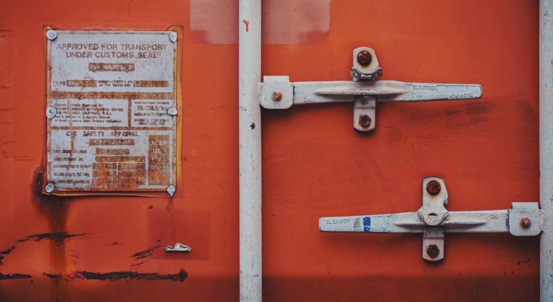 Podstawowe zasady transportu za pomocą kontenerów morskich.