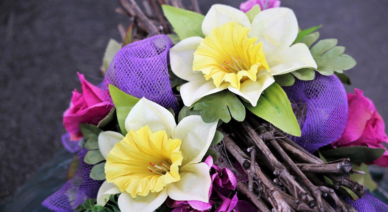 Sztuczne kwiaty – jakie jest ich zastosowanie we wnętrzach?