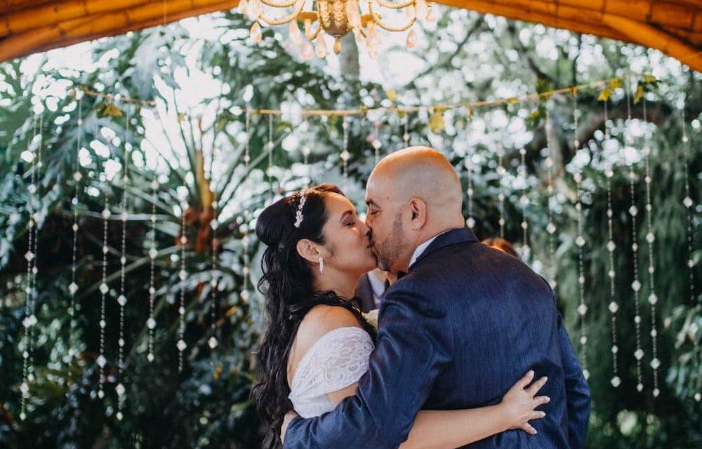 Jak zorganizować wesele w namiocie?